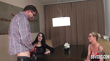 German babes sharing a big cock 6 min