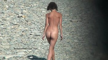 Free sexy nude - Sexy chicks at the nudist beach