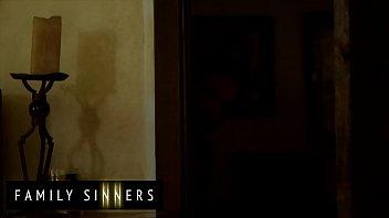 Step Dad Always Wanna Fuck His Smoking Hot Step Daughter (Jillian Janson) - Family Sinners 12 min