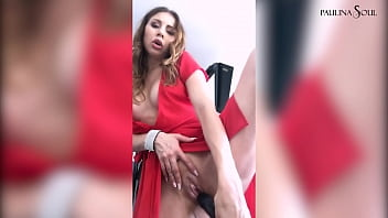 Sexy Bitch Gets Horny At The Photo Session And Fucked Herself With Black Dildo porno izle
