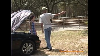 A Housewife Gets a Redneck Surprise