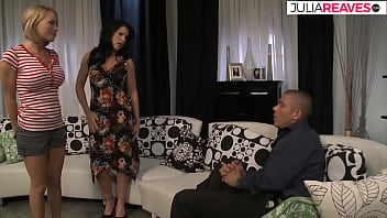 Latino shows how a really hot threesome works