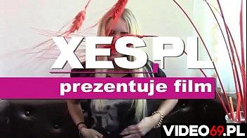 Polskie porno - Perfekcyjna nastolatka wie czego chce