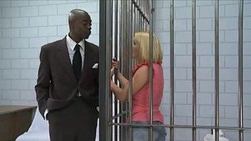 Bionda seduce la guardia nera per uscire di prigione e viene scopata ... Video completo e nessun errore audio https://shon.xyz/jMfVs