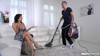 Milf Veronica Avluv crazy intense Fuck with Power Squirting 31分钟