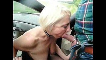 Submissive slut granny used by stranger in highway car park 2分钟