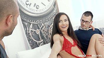 Nataly Se Freaca La Pizda Si Face Sex Cu Iubit Si Terapeut