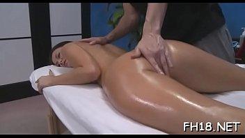Massage nackt vagina Naked Japanese