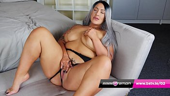 Babestation BBW Hottie Danielle Louise Plays With Her Pussy