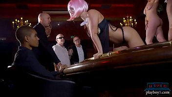 Amazing body stripper oral and fucking in the VIP room 6 min