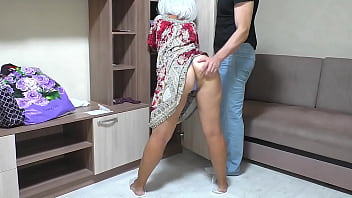 I fuck my old mom in her big ass and insert a dick into her anal. Amateur homemade video of a MILF and a son 11 min