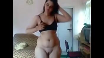 Desi beauty bhabhi withg cute shaped pussy