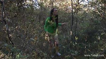 Sexo en el bosque en una carpa