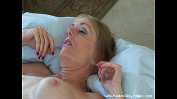 Amateur Mom Loves Taboo Sex 17分钟
