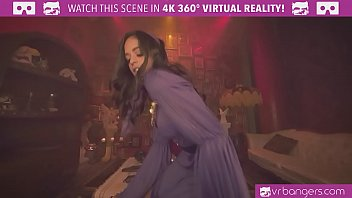Virtual teen nude Vrbangers.com-young gypsy get her pussy wide open by a big dick vr porn