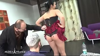 Amateur small titted french whore sodomized in threesome