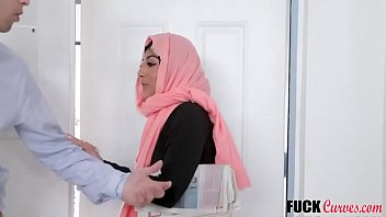 Hijab Babe Binky Beaz Fucked With Neighbour
