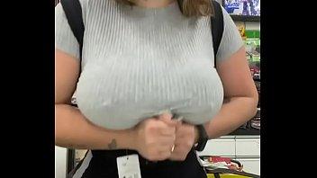 melhor garota propaganda pra sua loja. peituda www.flixamador.blogspot.com