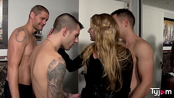 Sophie Cute gets 3 guys for a hardcore gangbang 15 min