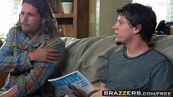 Brazzers - Mommy Got Boobs - (Diamond Foxxx),(Tyler Nixon) - Cum to My Yard Sale