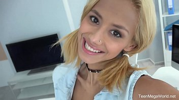 Beauty-Angels.com - Veronica Leal - Blonde with a camera 6 min