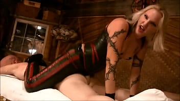 Mistress Koral Rappping Her Slaves Ass - harddom.net