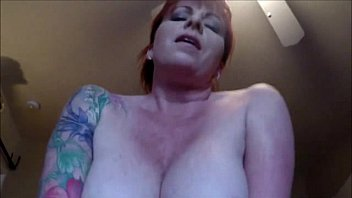 Cougar Redhead with Big Knockers