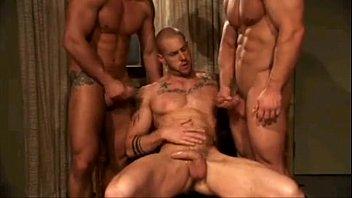 Vídeo gay   Marc Dylan recibe por todos sus agujeros preview image