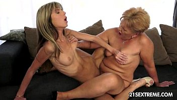Girls rubbing pussies together tribbing - Caitlin and doris ivy old young lesbian love