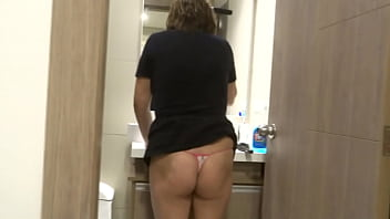 My 58-year-old Latin wife after the sea and the beach, she goes to the depratment, bathes and masturbates in front of me, intense orgasms, she asks me to fuck her, at the end I make her cum on her hairy pussy