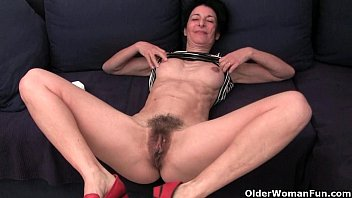 Granny hides a full bush in her soaked panties porno izle