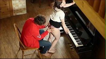 ครูสอนดนตรีสาวสอนเสียว งานนี้เล่นดนตรีแบบเกร็งเลยทีเดียวหีตด