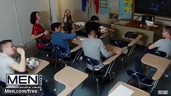 Teacher (Ramon Todd) Fucks His Student (Titus) After Class - Men.com