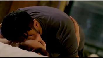 Kareena Kapoor Forced Sex with Arjun Kapoor thumbnail
