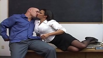He fuck his teacher - and see her Big Boobs the first time