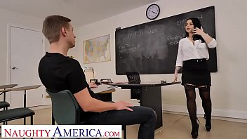 Naughty America Payton Preslee Gets The D From Her Student