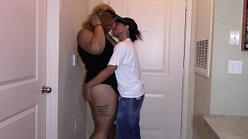 First sexual encounter with sexy ebony latina bbw (interracial) 60分钟