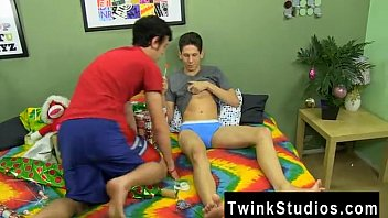 Amazing twinks Braden Klien can't enjoy Christmas with warring