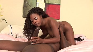 Ebony Teen Slut Comes In For Her First Porn Shoot