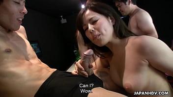 aunty lover ~ Hot hostess Yuri Sakura and her friends suck hairy pricks thumbnail