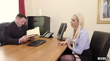 Secretarys in pantyhoses Roxy demonstrates her talents in job interview