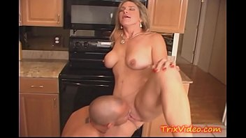 Housewives Love to Fuck in the Kitchen