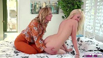 Lyra facesitting her stepmoms pussy
