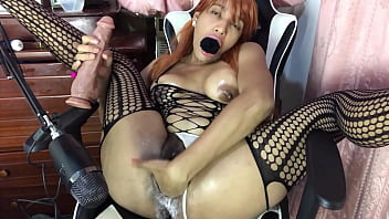 Asmr moans and vaginal sounds, wet pussy, fist and squirt. 9分钟