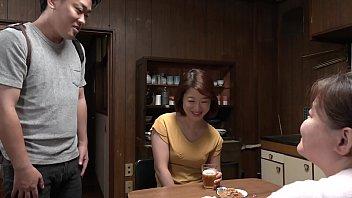 母さんの友達の普段づかいの地味下着 萩野美佳子