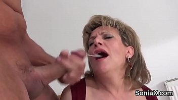 Streaming Video Adulterous english milf lady sonia flashes her big breasts - XLXX.video