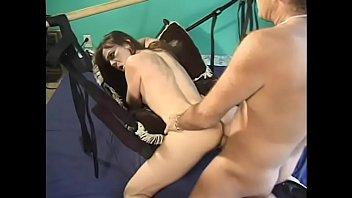 Slutty brunette Daleena Dancer loves a young cock in her snatch on a chair Vorschaubild
