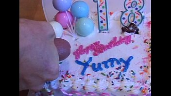 Free birthday strip o grams ecards Wildlife - happy 18th birthday to me 02 - scene 6 - video 3