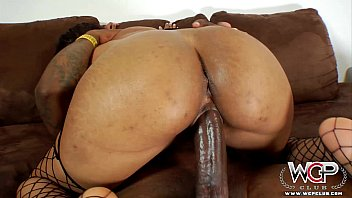 WCPClub Cali Sweets loves riding a BBC with her big ass