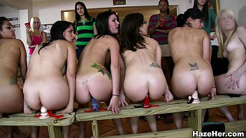 A Row Of Dildos For The Newbies 3分钟